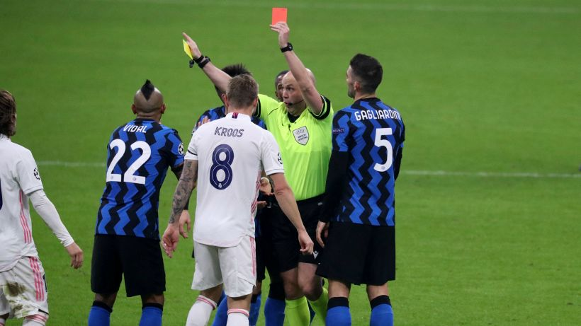 Inter, Vidal sarà multato