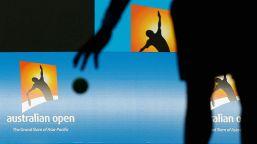 Australian Open: 380 raccattapalle senza mascherine