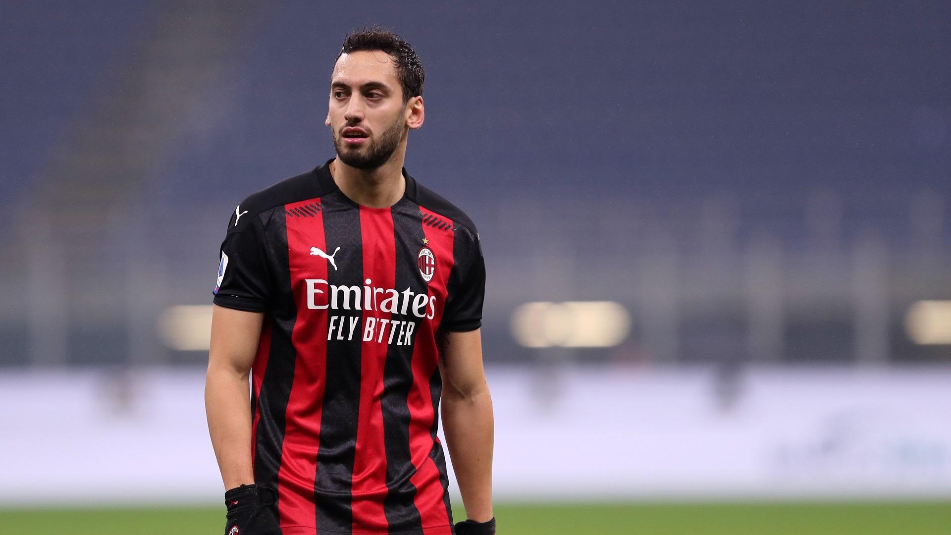 Mercato Milan: novità sul rinnovo di Calhanoglu - Virgilio Sport