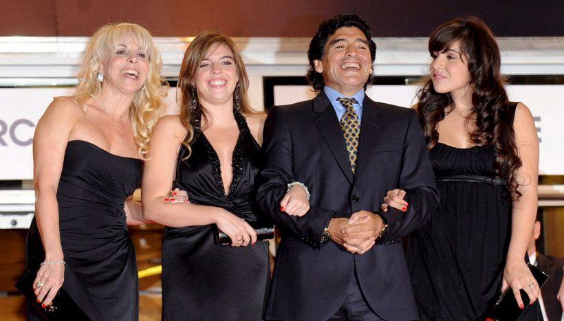Maradona, l'eredità in gioco e la spaccatura tra figlie e sorelle
