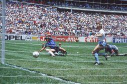 La7 sotto accusa dei tifosi per telecronaca Maradona '86