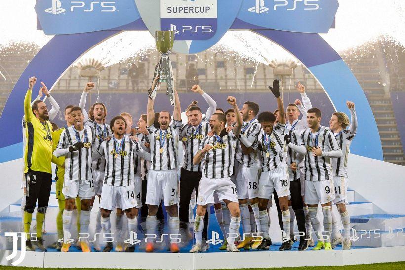 La Juve brinda: la gioia sofferta dei tifosi bianconeri