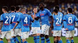 Il Napoli vola per un tempo, dorme per l'altro: ma è in semifinale