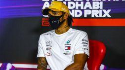 F1, Lewis Hamilton si spoglia del 7 Mondiali e si racconta a cuore aperto