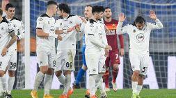 Disastro Roma, due espulsi e cambio irregolare: Spezia ai quarti di Coppa Italia