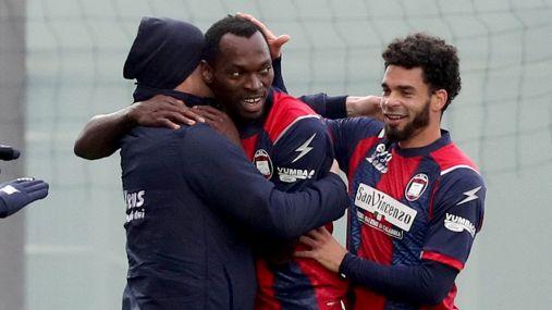 Serie A, Crotone-Benevento 4-1 con protagonista Simy