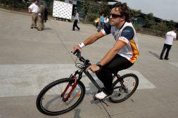 Alonso investito in bici: Mondiale F1 a rischio, le condizioni