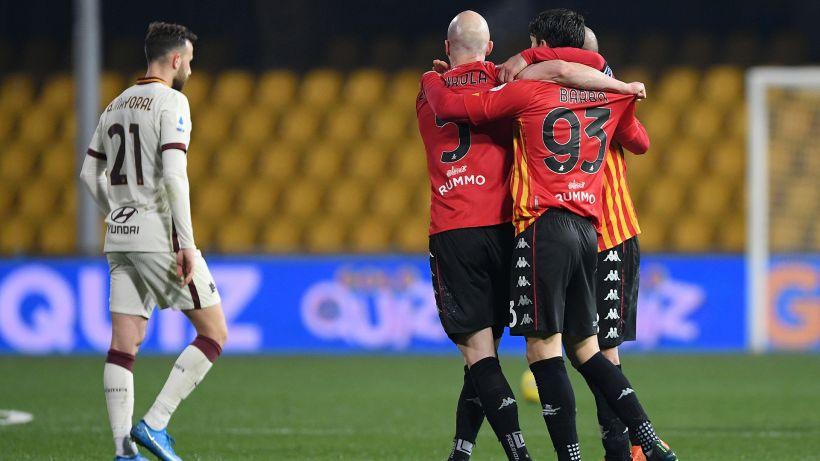 Roma terza, ma sprecona: 0-0 contro un Benevento in dieci