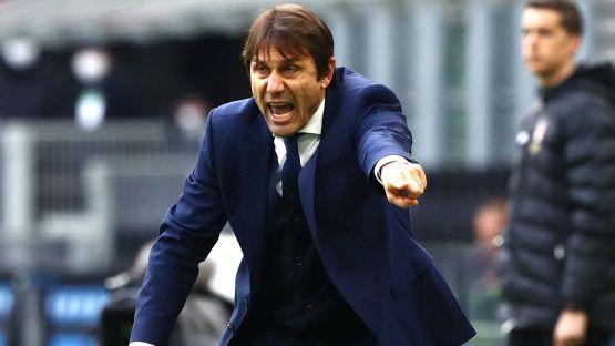 """Inter-Juventus, Conte scuote la testa: """"Due regali, abbiamo fatto tutto noi"""""""