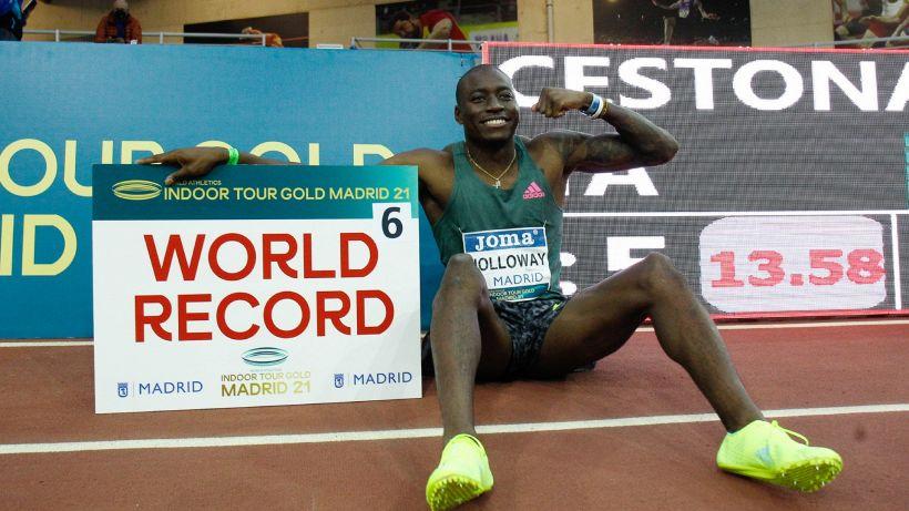 Atletica, Holloway sigla il record del mondo nei 60 ostacoli