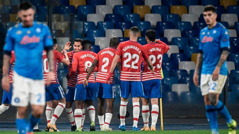 Napoli-Granada 2-1: la vittoria non basta, partenopei eliminati