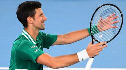 Australian Open, bene Djokovic. Sinner cede in cinque set
