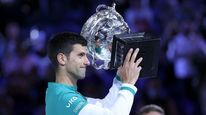 Australian Open: non c'è storia, vince Djokovic per la nona volta