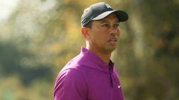 Tiger Woods, terribile incidente in auto: operato con fratture alle gambe