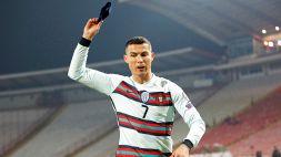 Ronaldo: la fascia gettata a terra, all'asta per beneficenza