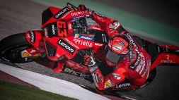 GP Qatar, Pecco Bagnaia in pole, Valentino Rossi quarto