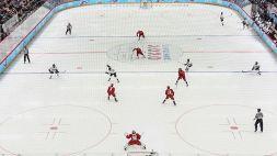Hockey tragico, giocatore muore dopo essere stato colpito in testa dal disco