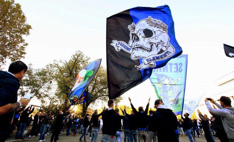 Inter: Scudetto sul divano, esplode gioia tifosi