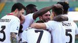 Il Milan reagisce, colpaccio a Verona. Fiorentina-Parma, pazzo 3-3