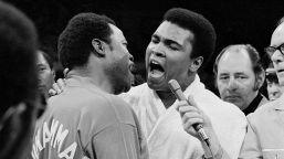 Pugilato, 50 anni dal match del secolo: quando Frazier battè Ali, le foto