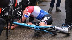 Tirreno-Adriatico, fuga e vittoria per Van der Poel: stremato al traguardo