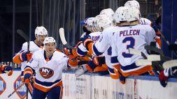 NHL: Tampa Bay in volo, il derby è degli Islanders