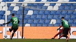 Sassuolo-Fiorentina 3-1: Berardi entra e ribalta tutto con due rigori, allarme viola. Le pagelle