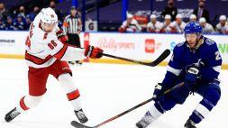 NHL: cadono gli Hurricanes, Panthers e Tampa Bay accorciano