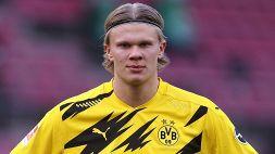 Haaland mania: autografo al guardalinee dopo City-Dortmund