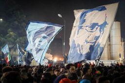 Il Napoli stringe ancora alla cinghia: la rabbia dei tifosi