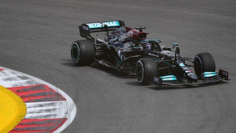 F1, il miglior tempo nella seconda sessione di libere è di Hamilton