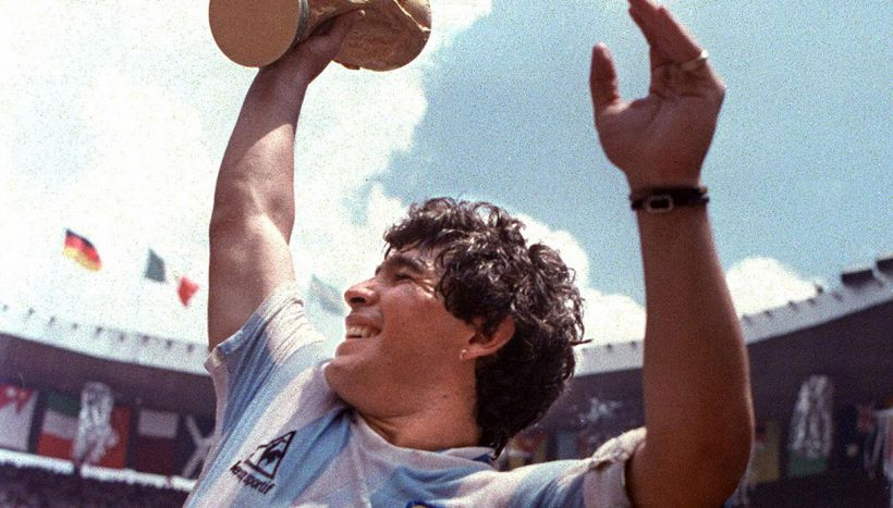 Le rivelazioni della perizia sulla morte di Maradona indignano