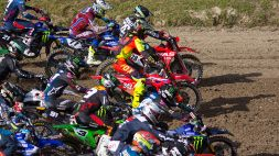 Motocross, pilota senza un braccio corre e perde la vita