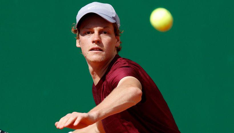 Montecarlo, Sinner sfida Djokovic: dove vederlo in tv e streaming