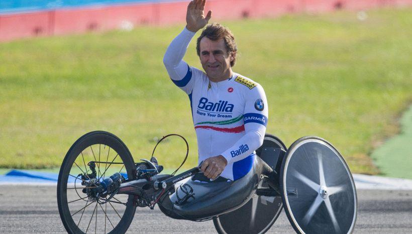Alex Zanardi: le condizioni a 10 mesi dall'incidente in handbike