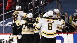 NHL, playoff: Boston sull'1-1, avanti Avalanche e Hurricanes
