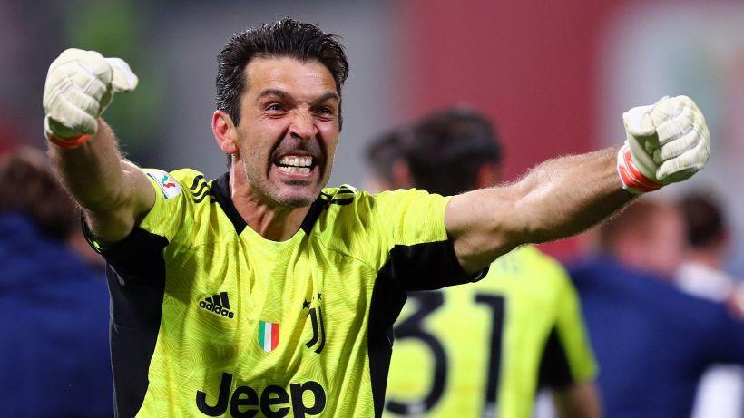 Mercato Juve: svelata l'offerta folle a Buffon, resta in Italia
