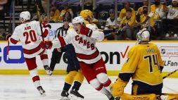 NHL: Carolina ai quarti, derby canadese alla bella