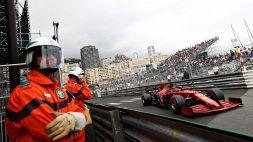 F1, GP Monaco: la Ferrari in pole con Leclerc, ma è polemica