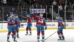 NHL: Knights e Avalanche a valanga