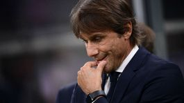 Dito medio in Juventus-Inter, Conte patteggia: multa di 2mila euro
