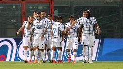 A Crotone decidono Eriksen e Hakimi, scudetto a un passo per l'Inter