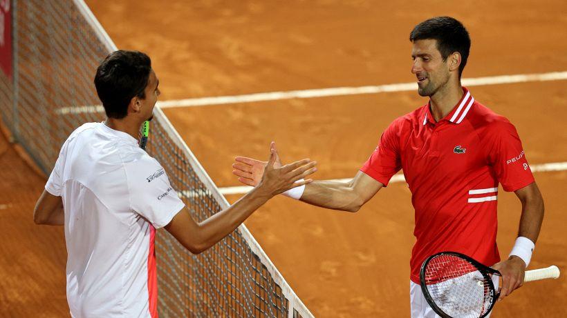 Sonego esalta il Foro Italico: impresa sfiorata contro Djokovic