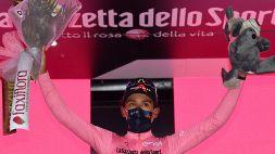 Giro d'Italia, a Campo Felice tappa e maglia per Bernal. Paura per Mohoric