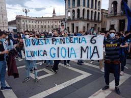 Inter, caos stipendi e rischio fughe ma i tifosi si ribellano