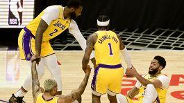 NBA, solo guai per i Lakers: derby perso e Davis ko