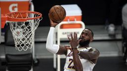 LeBron è tornato: i Lakers vedono i playoff