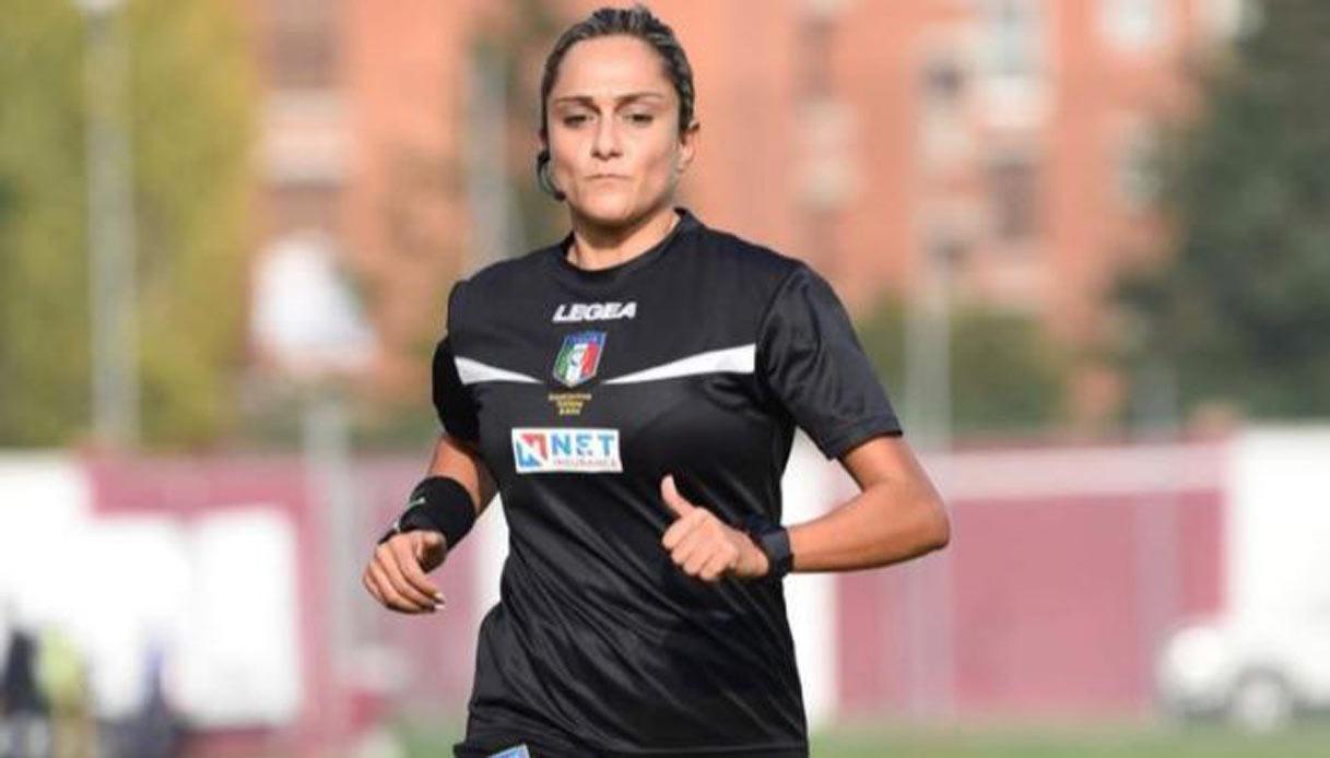 Aia Sapri, Maria Marotta entra nella storia del calcio. Primo donna ad arbitrare una gara di serie B.