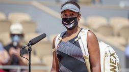 Roland Garros, incredibile Naomi Osaka: si ritira dal torneo