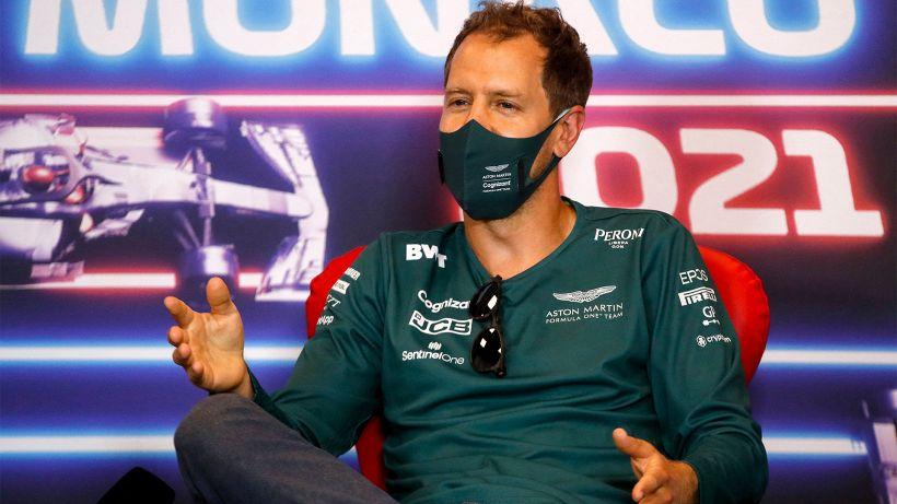"""Vettel: """"Malinteso con Raikkonen"""""""